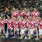 フットサルクロアチア代表の試合前整列写真