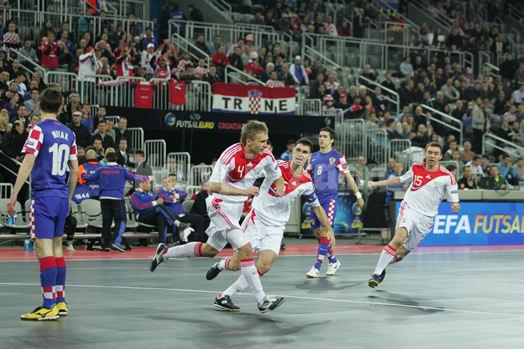 ロシア代表プルディンコフの先制ゴール