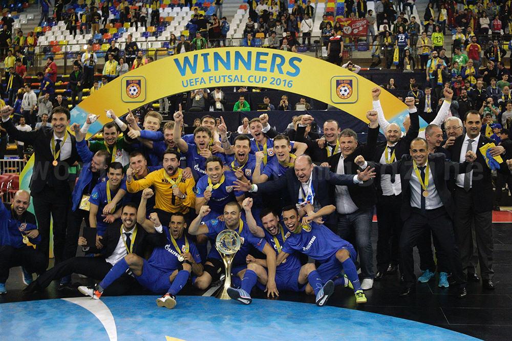 UEFAフットサルカップ2016優勝チーム表彰式